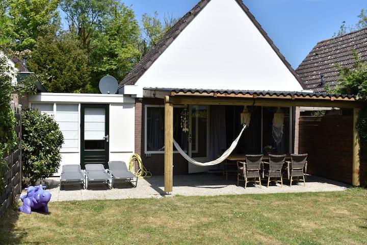 Baken 122, relax beachhouse, Loopafstand strand