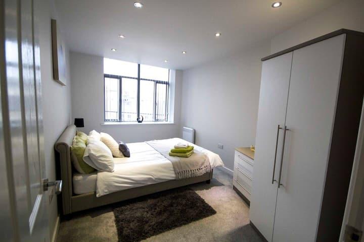 StayZo - Grattan Mills - 3 - City Centre Apartment