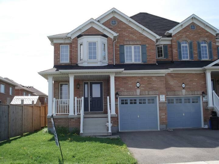 Vinkey Villa (Near St. Catharines & Niagara Falls)