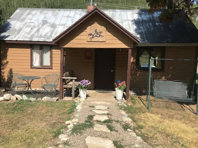 Aspen Cabin - Cozy 1 Bedroom in North Routt