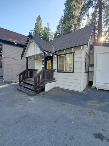 The Fish Bungalow in Shaver Lake Village