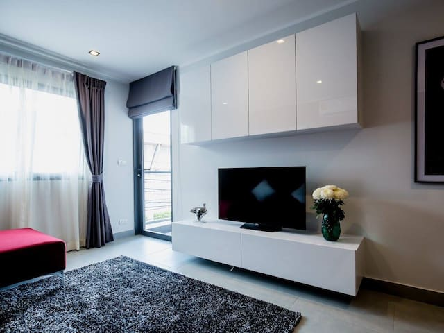 Stunning 1 bed apartment near Chalong Pier