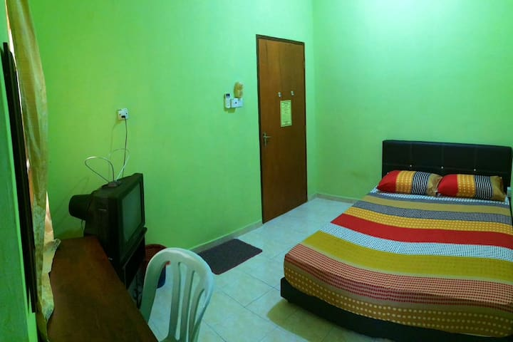 Penginapan Harmoni Inn : Normal Room B1