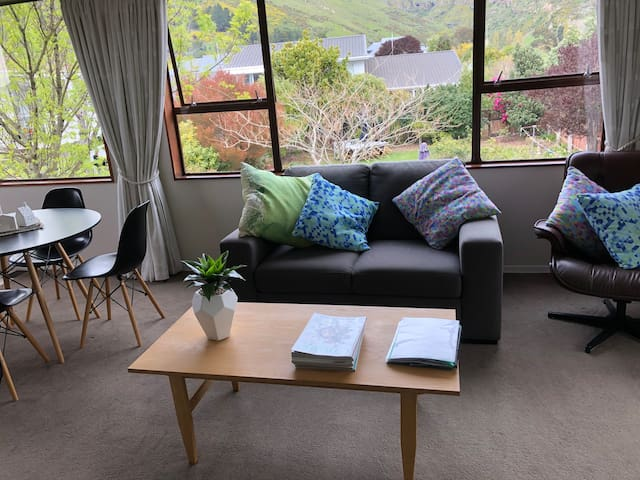 Redcliffs Townhouse ,  Sea, Park and  Port hills.