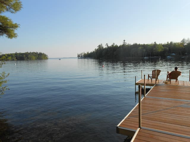 Sebago Lake- Lakefront 2B/2B Cottage- Private Dock