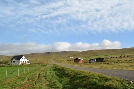 Lýtingsstaðir Farm Cottage- peaceful countryside!