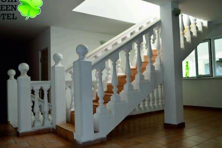 Мини-отель в Лоо (Центр Сочи в 15км). Хороший)) - Сочи - Rumah Tamu