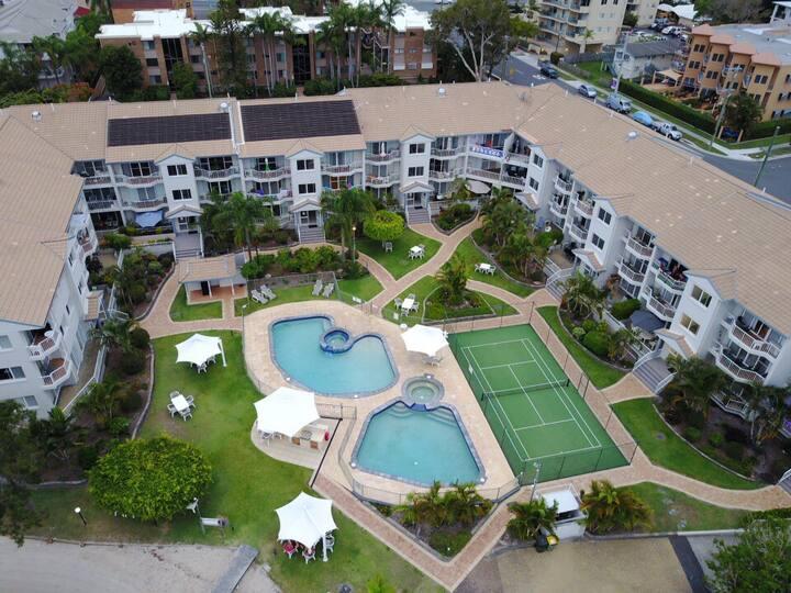 Modern Waterfront Apartment- Top Floor- 2 Bedrooms