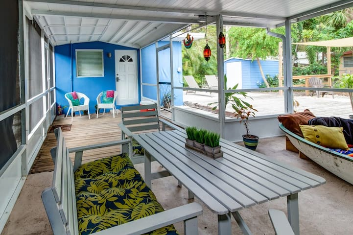 Fully private studio, The Blue House, Downtown FLL