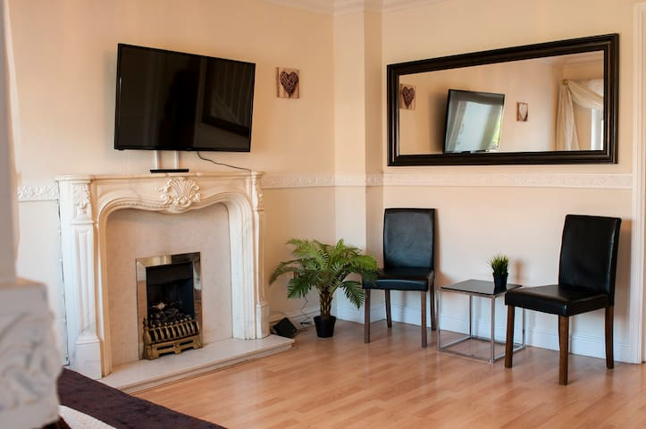 Comfortable stay in a cosy house - Liverpool - Hus