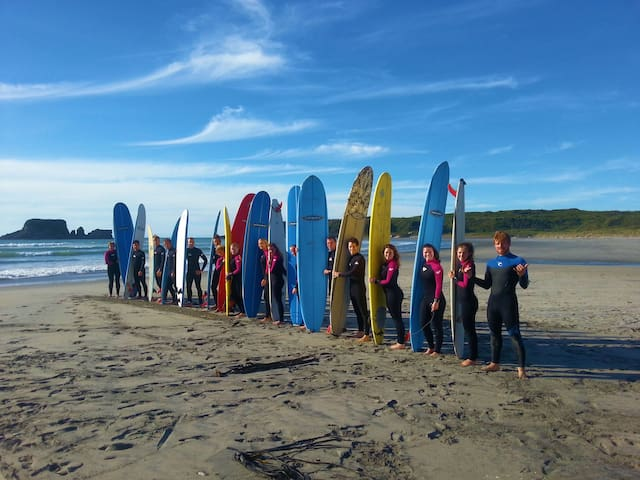 Bazil's Hostel and Surf School