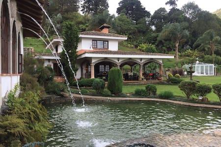 UN OASIS DE NATURALEZA Y CONFORT - Dapa - House