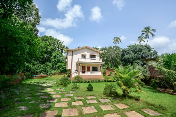 Commodious 1 BHK with a garden/74318