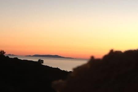 Casa semi-indipendente al mare in Sardegna - Paduledda - Дом