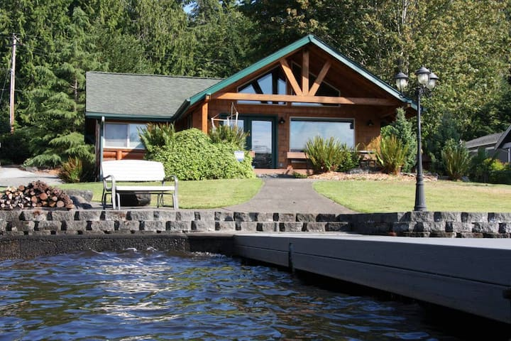 *Lakeside Log Cabin* Blessings & Memories Abound!
