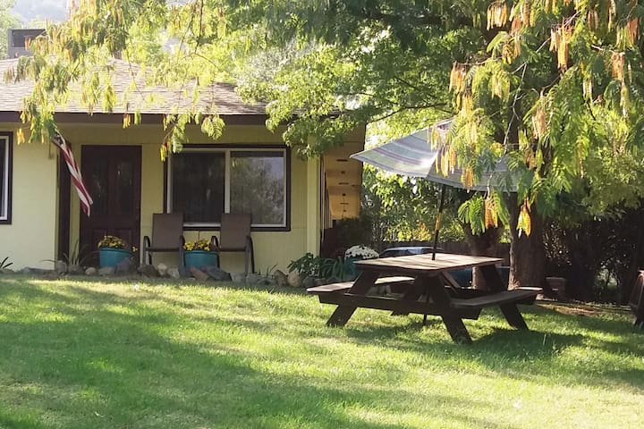 Family Retreat on North Fork Dr. Near Sequoia NP