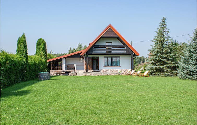 Holiday cottage with 4 bedrooms on 120m² in Biskupiec