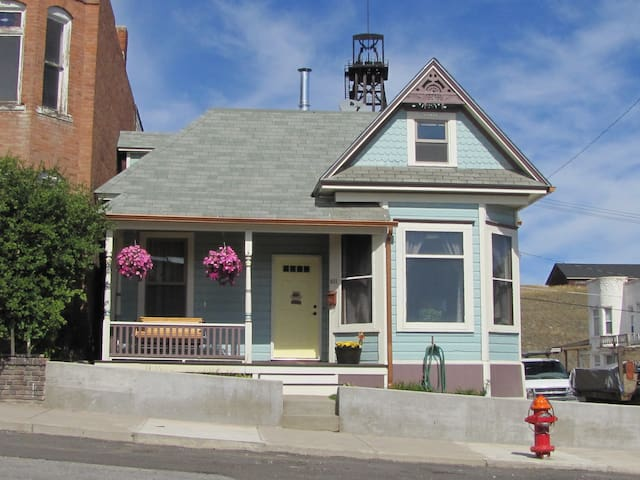 Dog Friendly Home in Historic Uptown Butte - Butte - Hus
