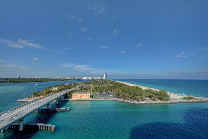 1S Oceanfront, Private Residence @ 5* Luxury Hotel