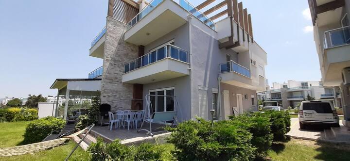-9- Ayvalik Denize Sıfır Villa BT