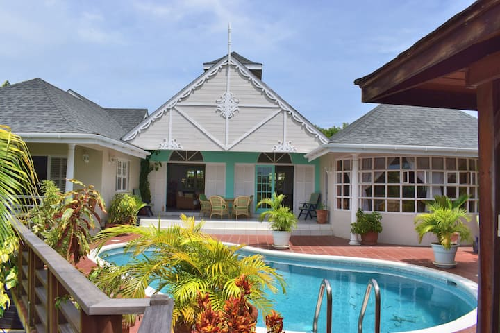 Ixora Villa Grenada