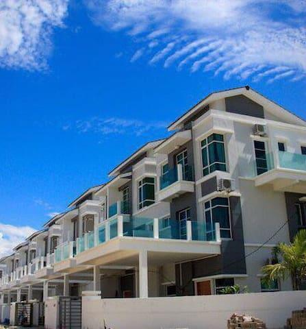Casa Perdana Cozy homestay