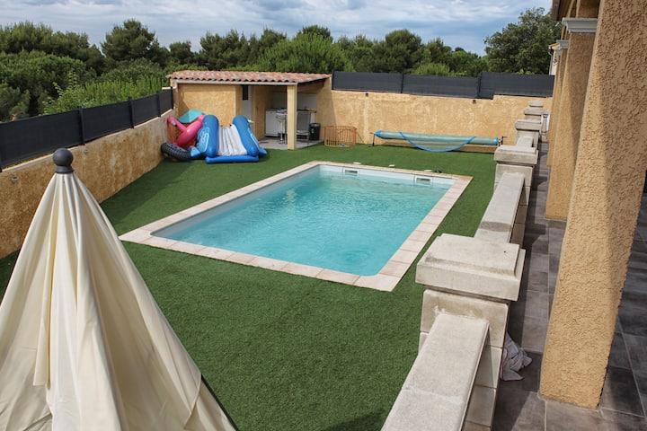 Villa 150 m2 avec piscine et  avec 5 chambres