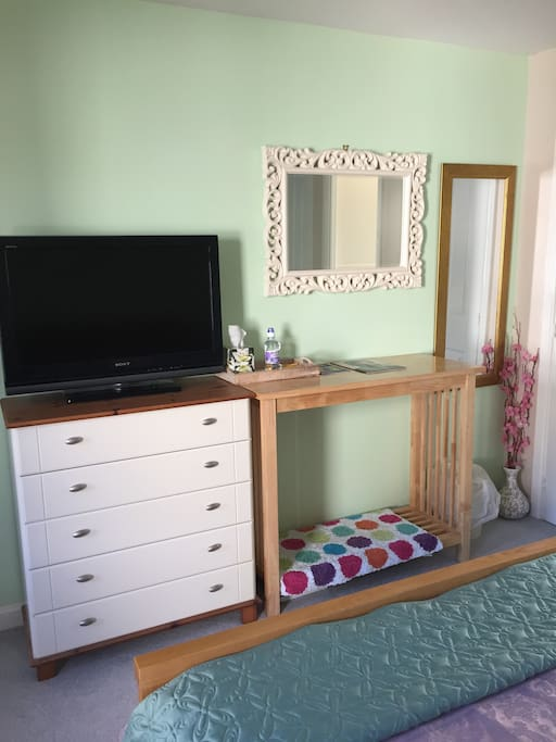 40 Inch TV and Tea tray, Fitted wardrobe