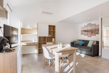 Centre ville à 100 m du port gd confort 2 SDB,2 WC - Sanary-sur-Mer - Apartamento