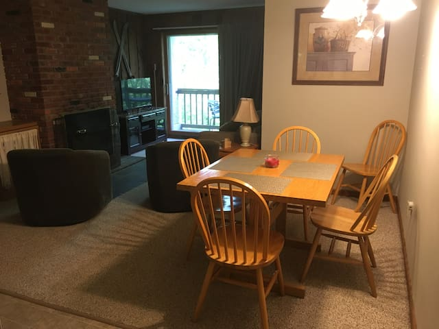 Cozy One Bedroom Condo in Whiffletree