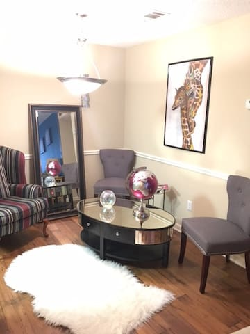 Beautiful Escape in Sandy Springs - Sandy Springs - Appartement