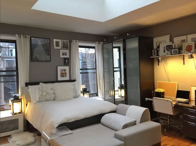 Upscale Designer Studio-Heart of Manhattan