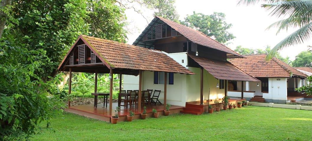 Stay in Natur's hand - Kurialacherry Homestay - Kuttanad Taluk - Ev