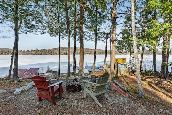 Lakefront cabin w/private dock, firepit, fireplace & gorgeous views - 2 dogs OK!