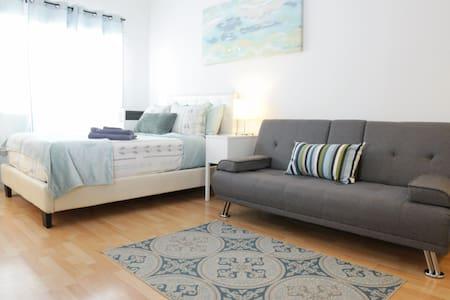 MaryPlaces Studio Apartment in Downtown LA