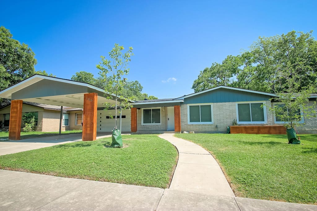 Fully remodeled, great location!