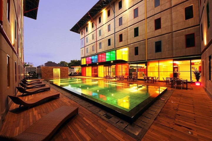 AUM Kuta Beach Affordable Colorful Smarthotel