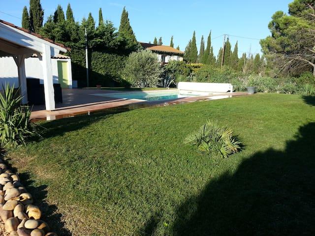 Belle Maison de vacances avec piscine