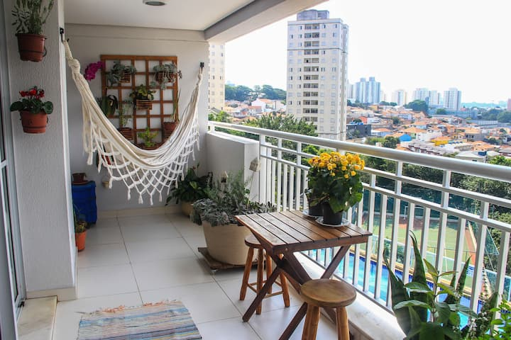 Apê moderno em condomínio-resort ao lado da USP