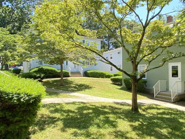Beautiful furnished 1 bdrm in the heart of Groton!