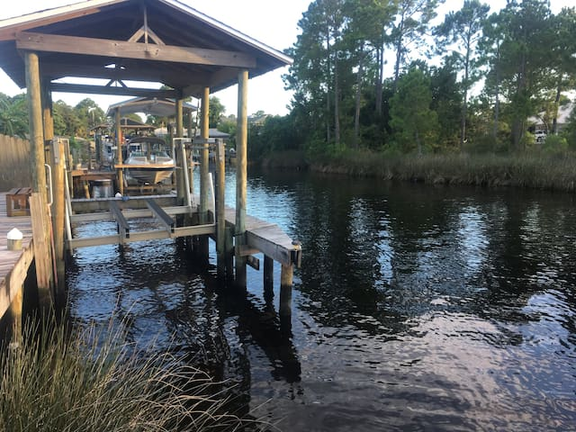 Canal Home in Gulf Breeze
