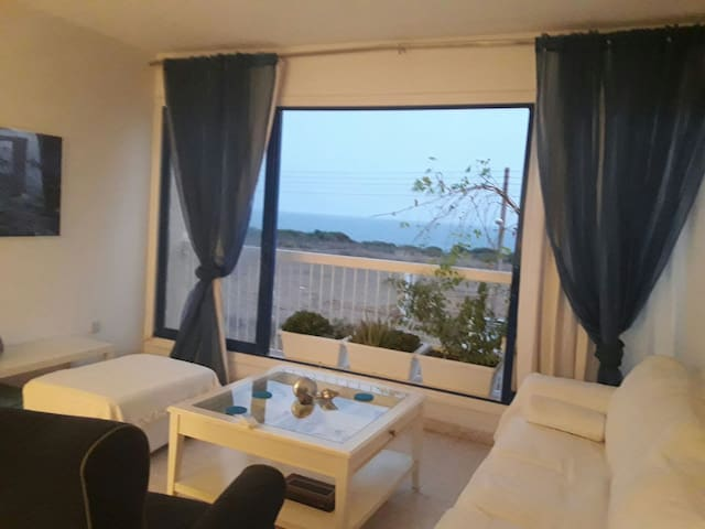Sea-view, 1 bedroom flat, 300m from beach