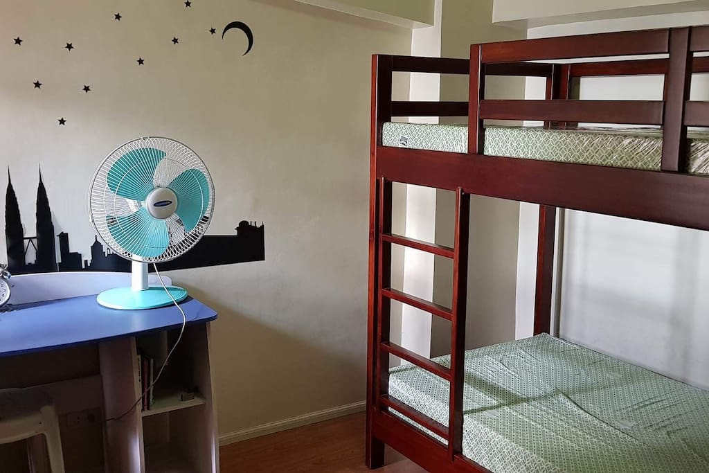 second bedroom with aircondition