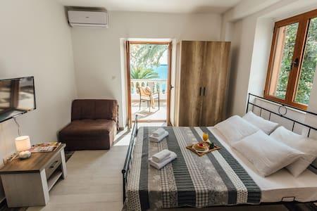 Amazing view studio - Herceg Novi - Apartment - 2