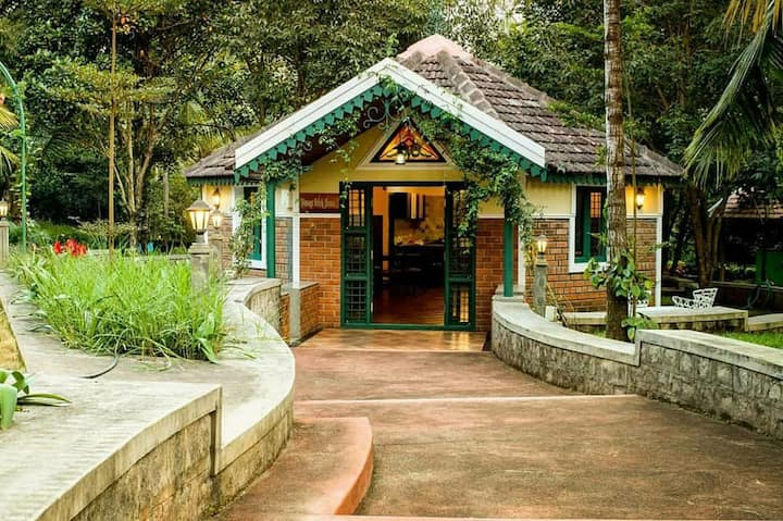 Beautiful Chikmagalur Homestay Colonial Prince