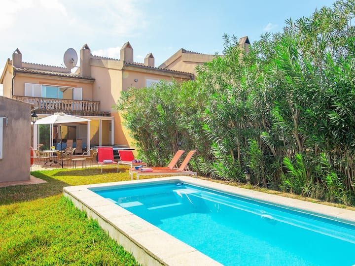 Casa del Lago. Villa with pool in Alcudia.