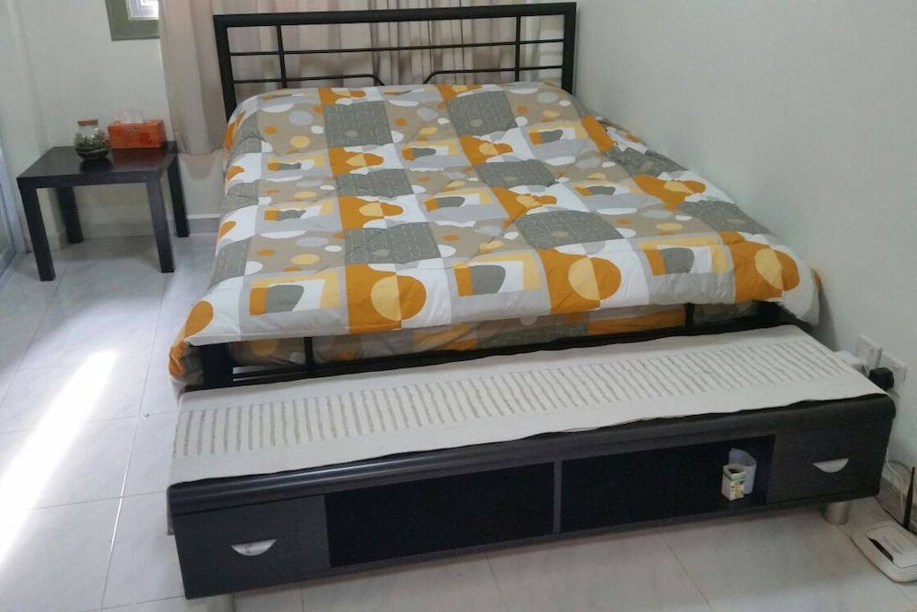 Bed is Queen size, suitable for 2 pax to sleep comfortably.