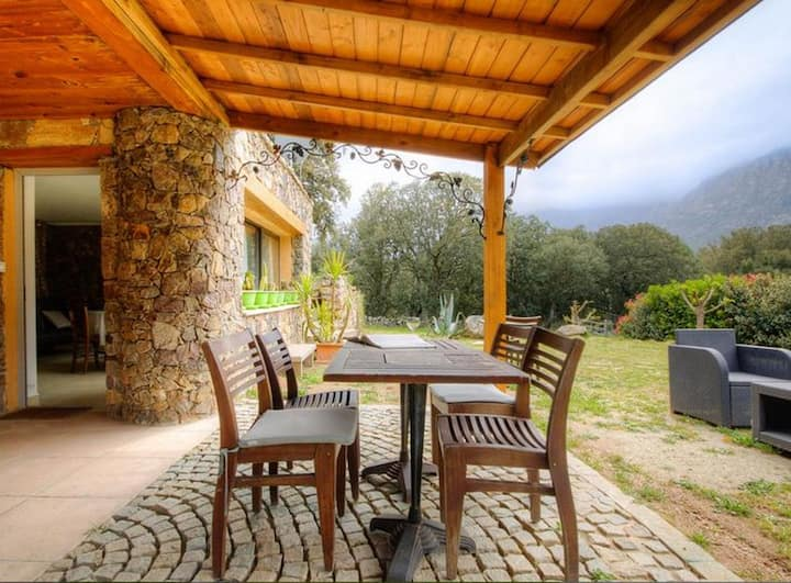 Studio in Moltifao, with wonderful mountain view, furnished garden and WiFi - 20 km from the slopes