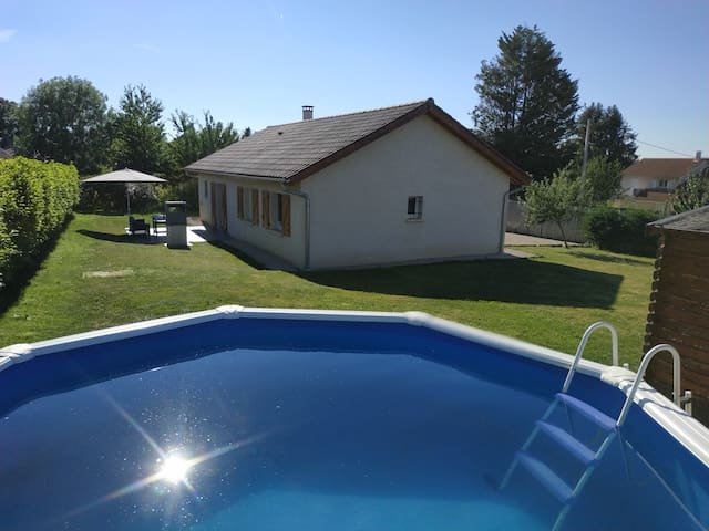 Maison 6-8 personnes avec jardin et piscine