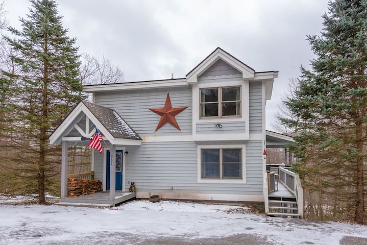 DOGS WELCOME! Lake Access Chalet w/Hot Tub, Pool Table, & Fire Pit!